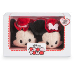 New 2017 Mickey and Minnie Valentine's Day Tsum Tsum Set Now Available Online!