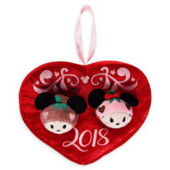 New 2018 Valentine's Day Mickey and Minnie Tsum Tsum Set Now Available Online!